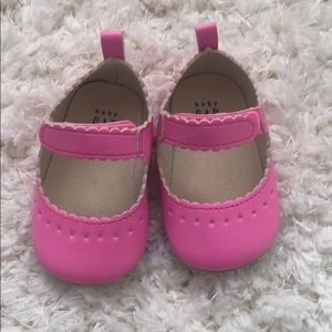 Gap neon pink baby shoes 3-6 months